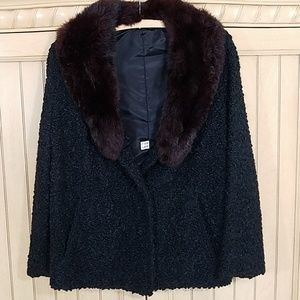 Vintage look jacket with faux fur collar